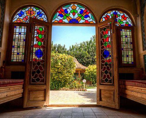 نصب طرح های شیشه دو جداره سنتی